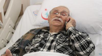 Evinde fenalaşan Eşref Kolçak'ı komşusu hastaneye kaldırdı!