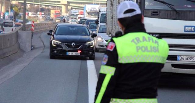 Trafikteki 'Çakar' Terörüne İstanbul Valiliği El Attı: Memurlar Sökecek